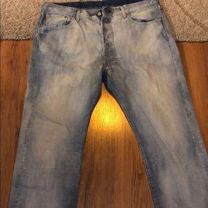 Levi Lightwash Denim Jeans